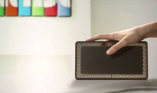 Bowers-Wilkins-T7-bluetooth-portable-speaker