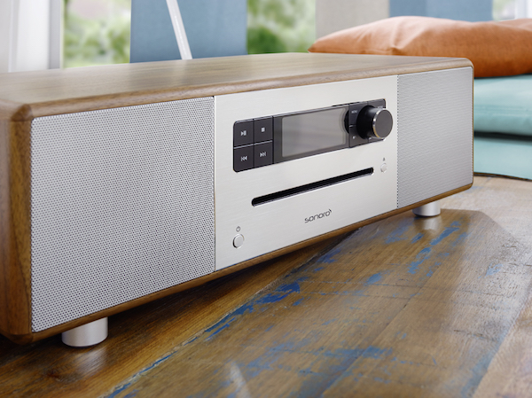Sonoro Stereo wood lifestyle