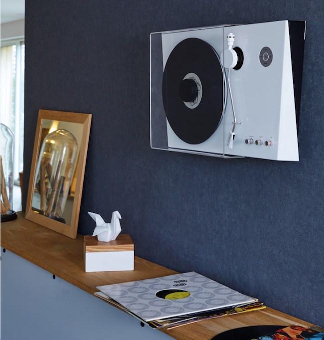 thomson pr sente un tourne disque vertical sur l 39 ifa 2017. Black Bedroom Furniture Sets. Home Design Ideas