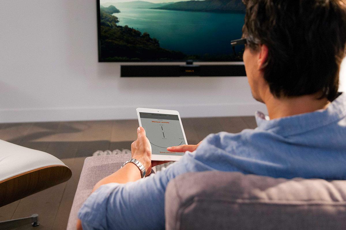 Ifa2017 des supports motoris s avec ou sans barre de son - Meuble tv avec barre de son integree ...