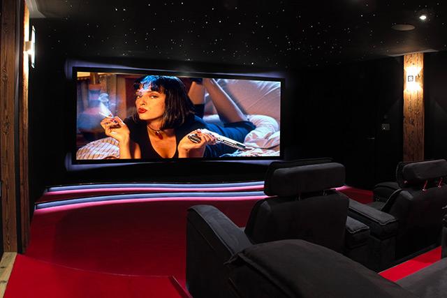l 39 installation de la semaine fauteuils motoris s et anim s dans une salle home cin ma sign e. Black Bedroom Furniture Sets. Home Design Ideas