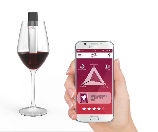 Myoeno : un objet connecté pour scanner son vin ou le networking