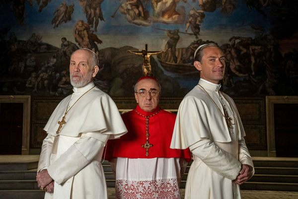 The Young Pope + The New Pope : un  Vatican « sans foi, ni loi »   (en Blu-ray, DVD et VOD)